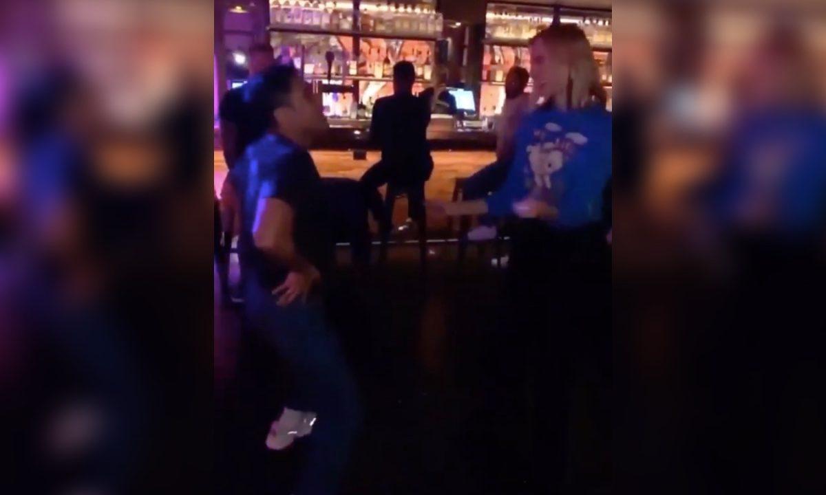 Dua Lipa bailando antro gay