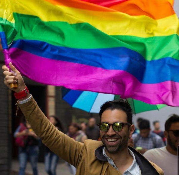 burla-homofóbica-Mauricio-Toro