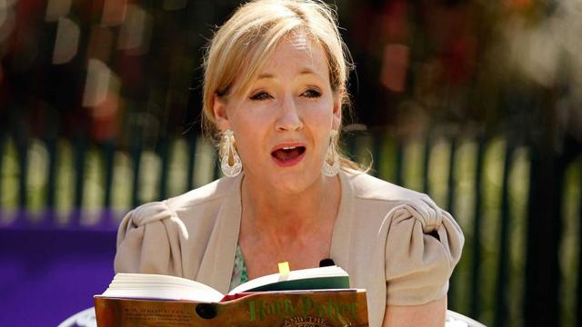 JK-Rowling-tuits-transfóbicos