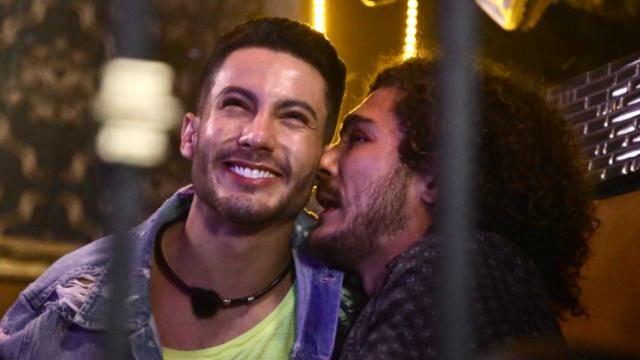 Xavi-Pepe-pareja-gay-Acapulco-Shore