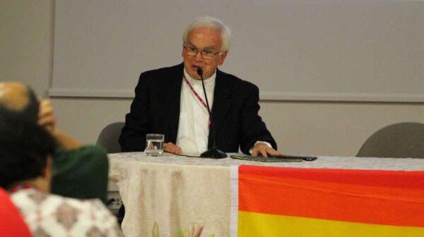 Obispo aliado de la organización LGBT San Aelredo A.C.