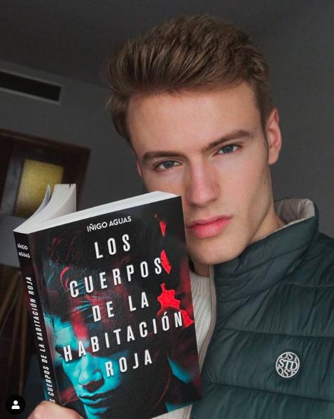 Los cuerpos de la habitación roja es un gran libro erótico gay