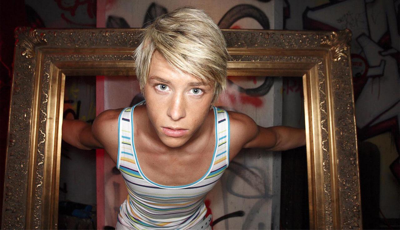 Skins fue una serie con mucho personajes LGBT+.