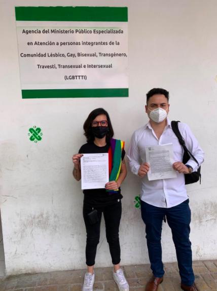 Lucía Riojas y Raúl Caporal tras presentar las denuncias correspondientes.