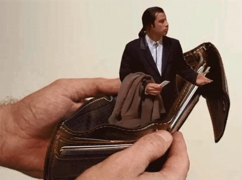 John Travolta cartera