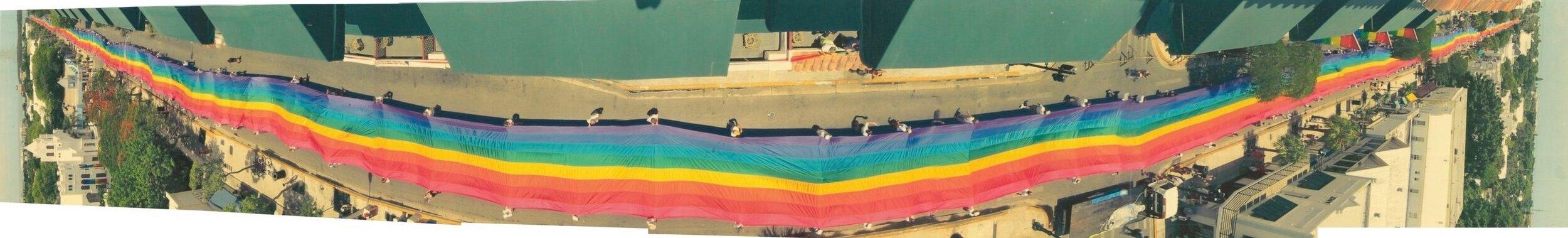 bandera arcoíris larga