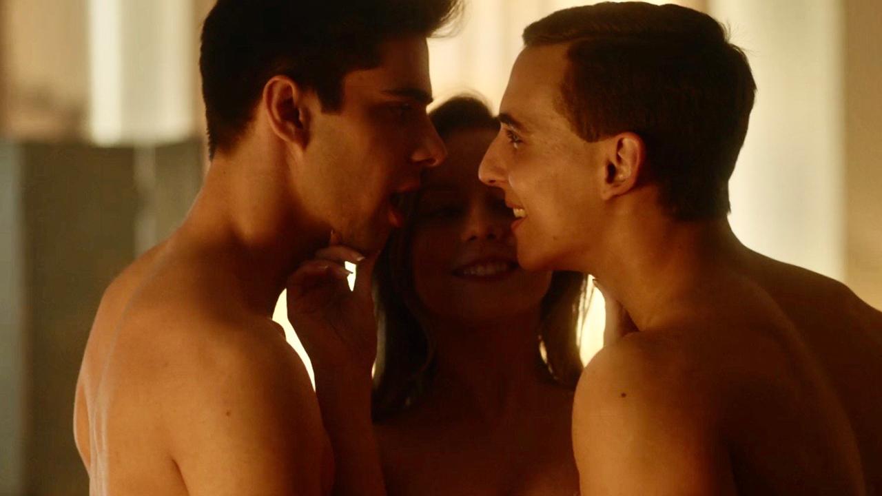 series LGBT+ trío