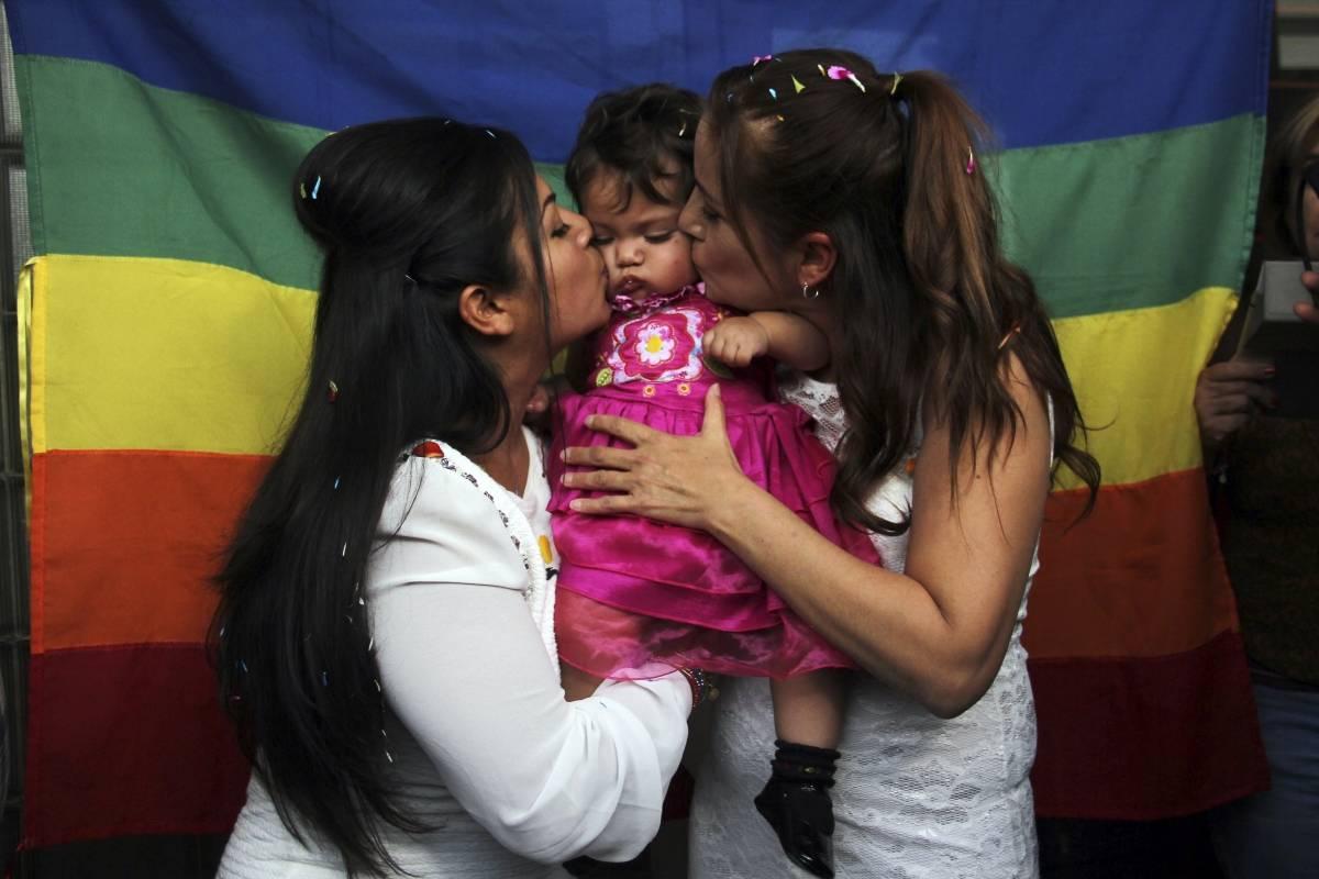 adopción lesbomaternal