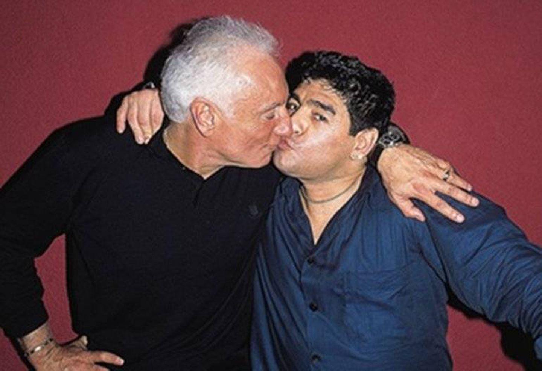 Diego Armando Maradona Momentos homoeróticos