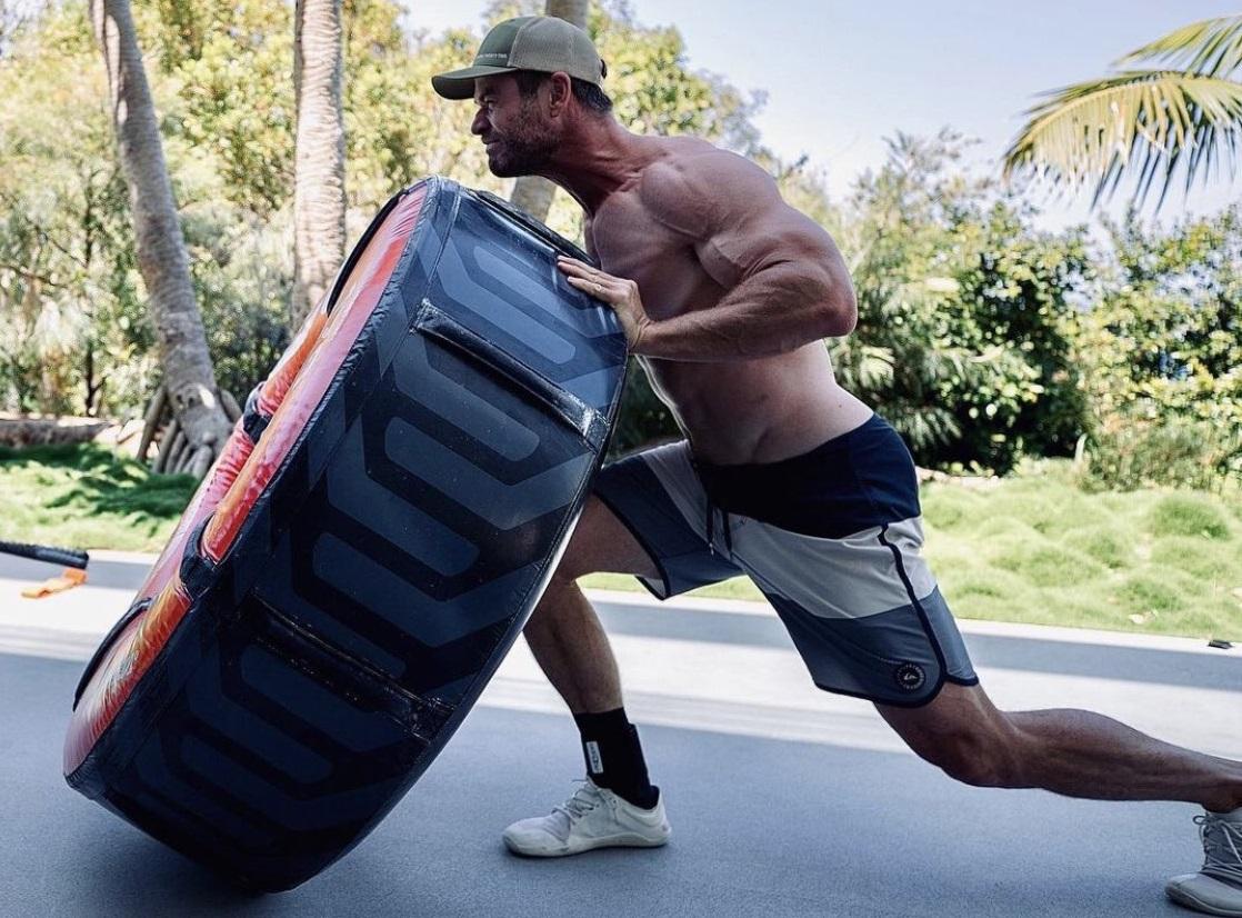 Chris Hemsworth músculos Hulk Hogan