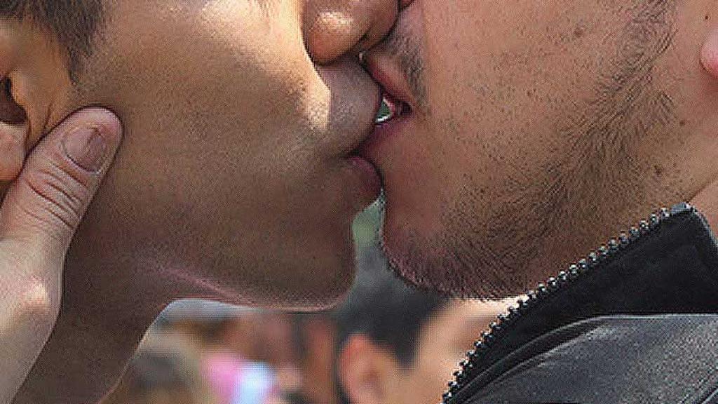 sexo gay hombres cancer anal besos