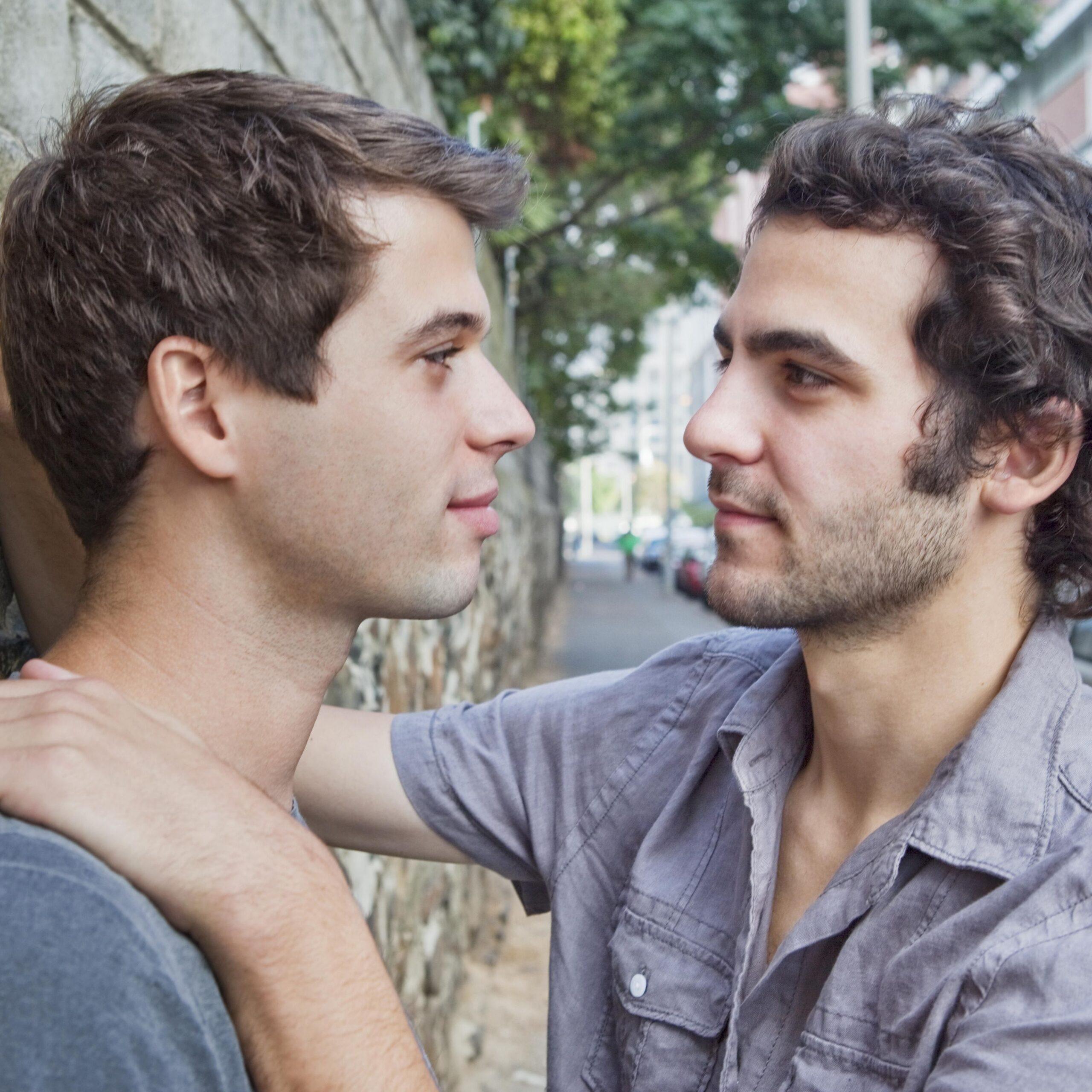 heteros coquetean chicos gay beneficios interes