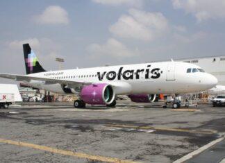 Volaris discrimina a joven por vivir con VIH