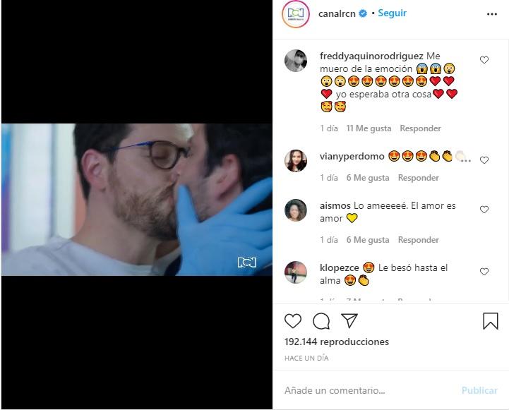 Beso gay en la telenovela enfermeras