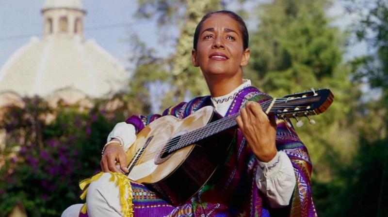 Chavela Vargas es una de las celebridades LGBT+ más mexicanas que el mole