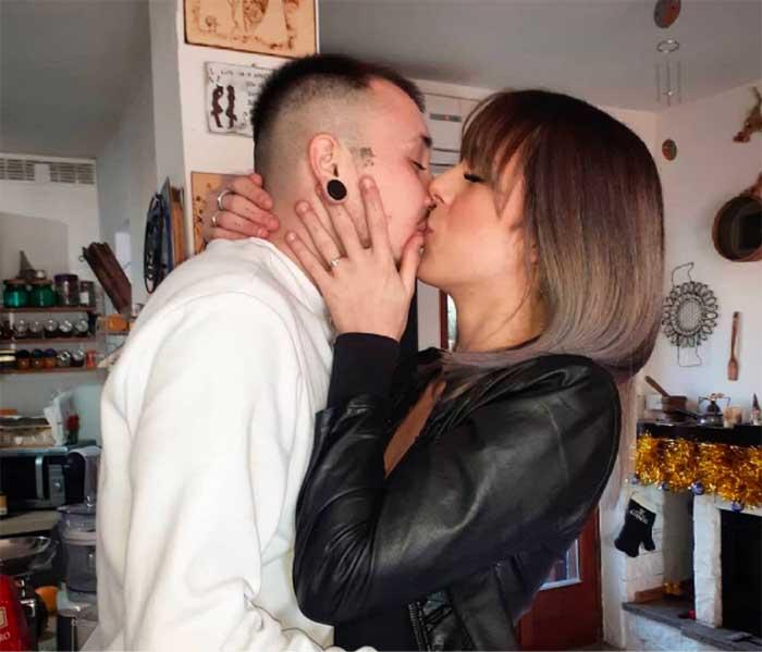 pareja trans amor identidad