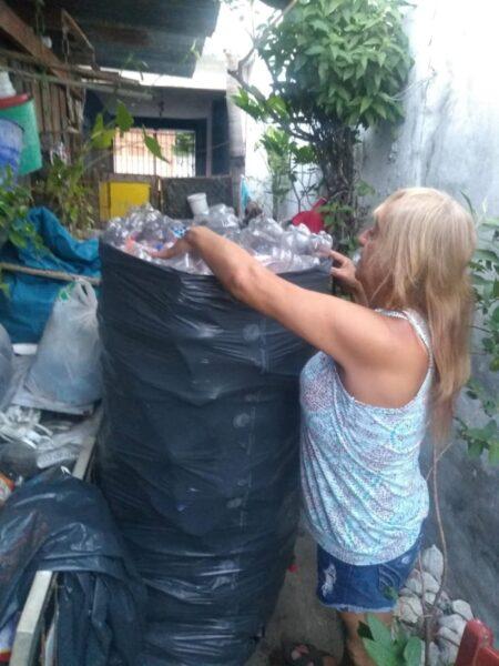 Betina trabajadora pepenadora por pandemia