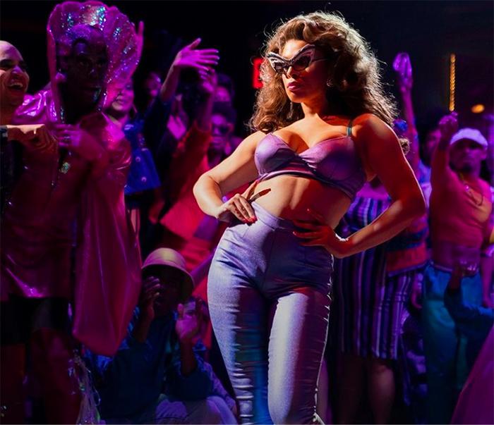 hailie sahar pose trans actrices