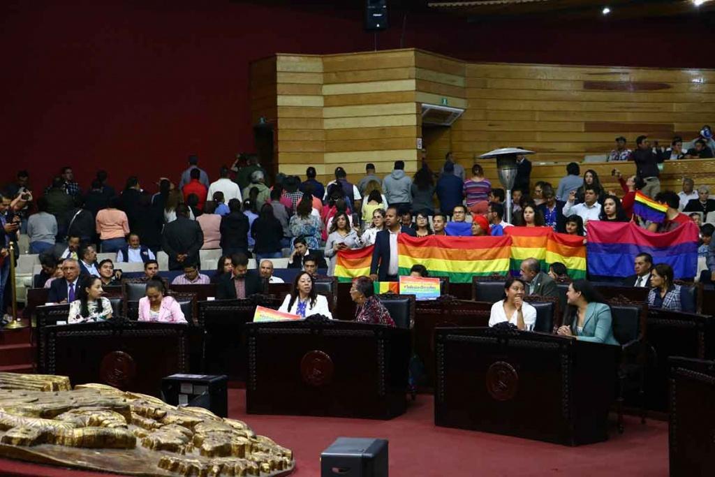 Congreso de Hidalgo aprueba uniones LGBT+