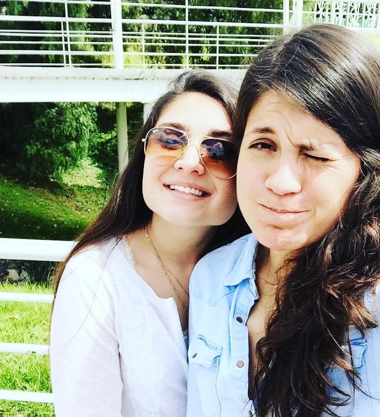Fer y Mariel esposas lesbianas