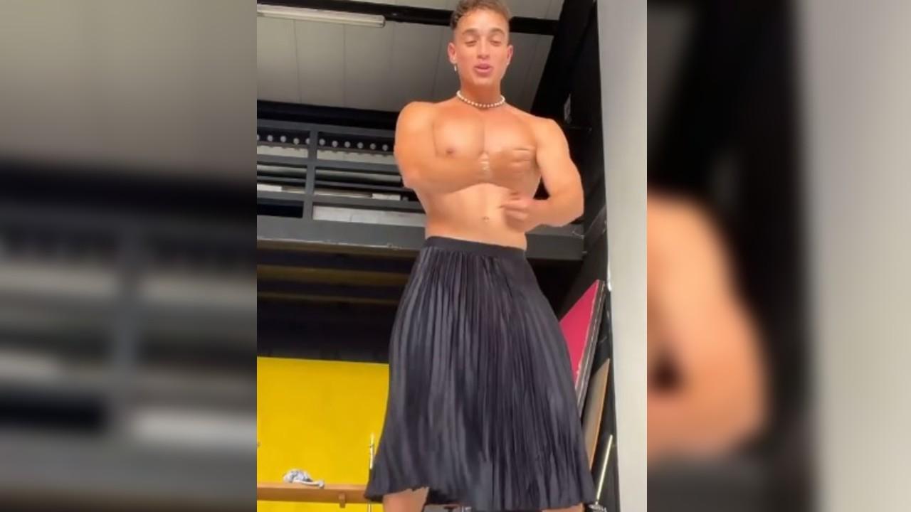 Baile en tacones y falda de Pepe Goitia