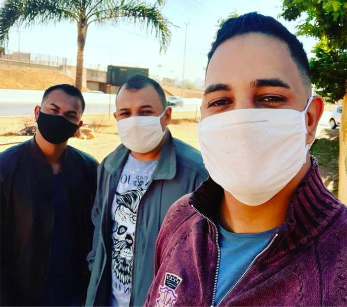 coronavirus trieja poliamor pandemia