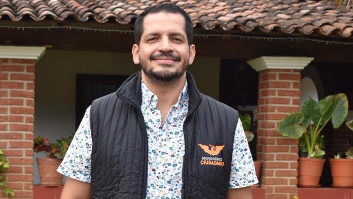 Daniel Preciado candidato gay de las autodefensas de Michoacán