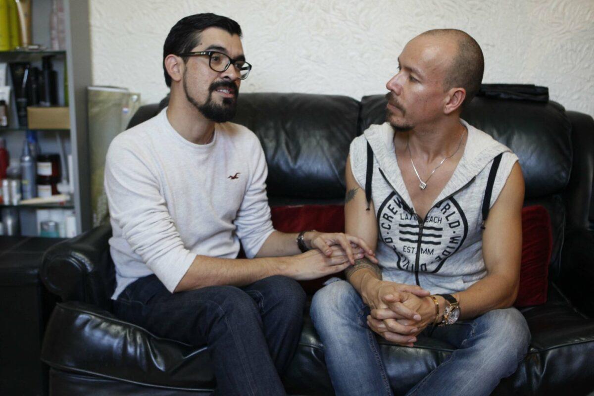 Víctor y Fernando esposos gays de Baja California