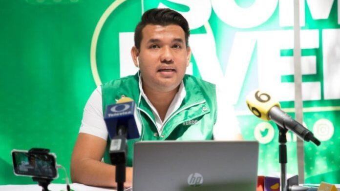 Luis Gerardo Suárez diputado gay de Guanajuato