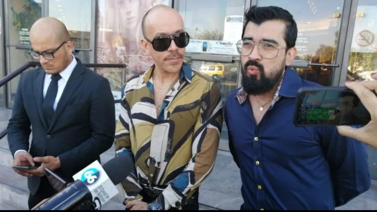 Pareja de esposos gays de Baja California