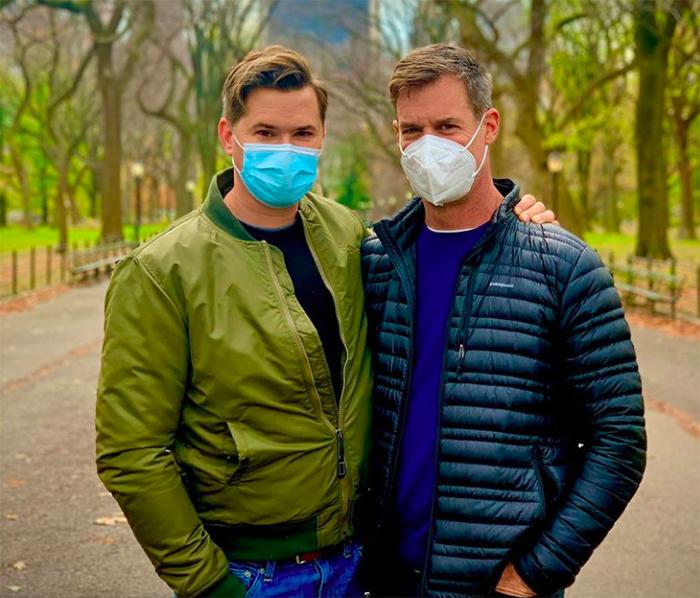 andrew rannells tuc watkins pareja gay pandemia 2020