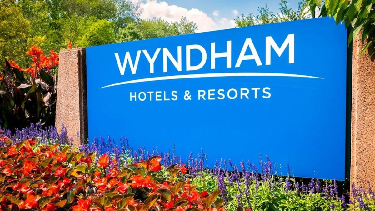 Wyndham Hotels discriminó a chico gay