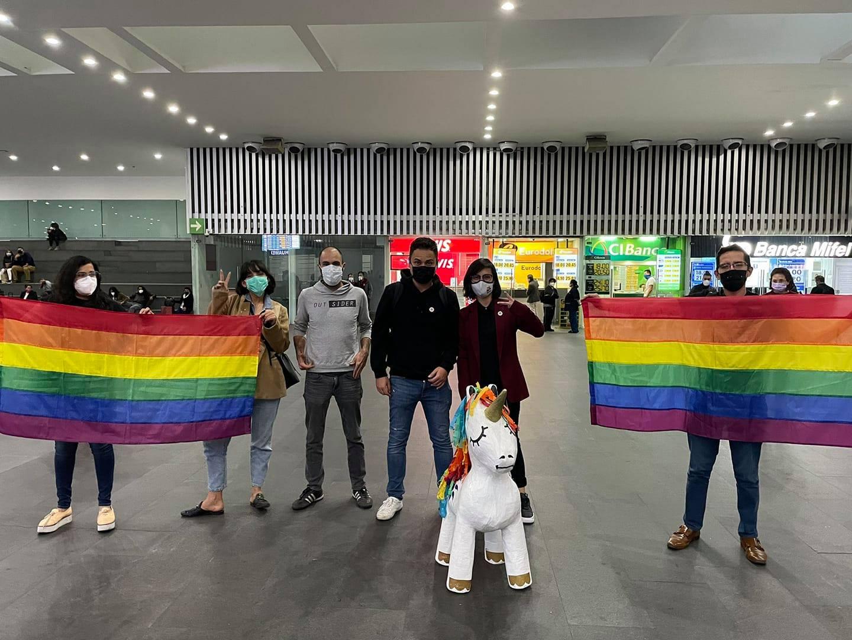 Pareja gay de Jamaica llega a Casa Frida