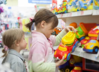 tiendas departamentales secciones niñas niños california