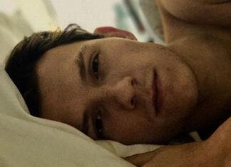 Tom Holland foto sin camisa