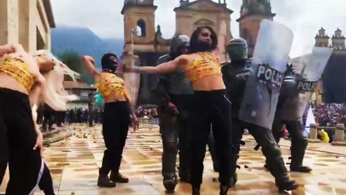 Piisciiss, Neni Nova y Axid bailan vogue en paro nacional de Colombia