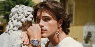 Jacob Elordi aretes y corset