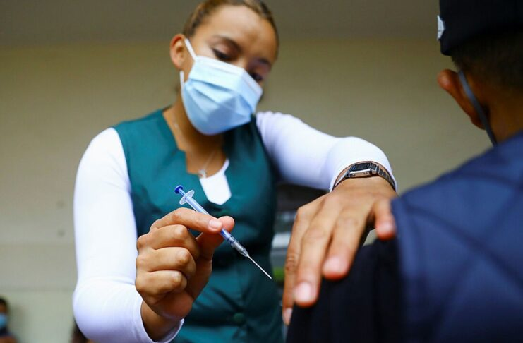 Efectos de la vacuna contra la COVID-19