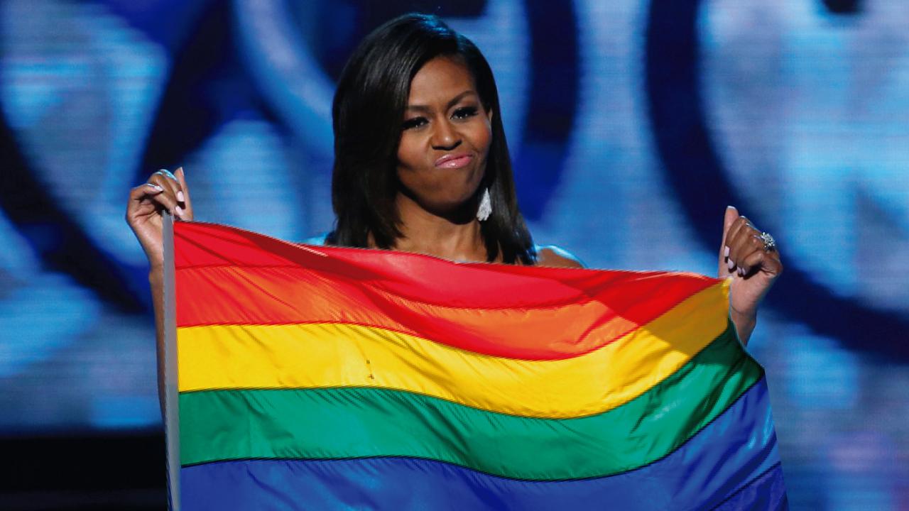 Michelle Obama con bandera diversidad
