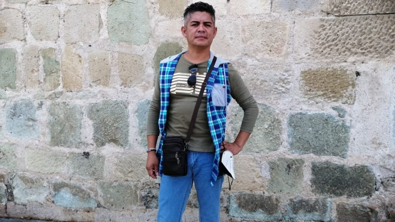 Romeo Alberto Vásquez trabjador del Servicio Nacional de Empleo despedido por ser gay