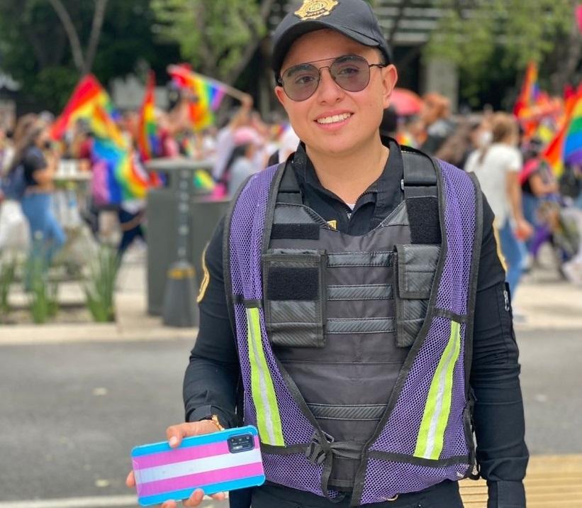 Alexander Santiago policías LGBT+ mexicanos