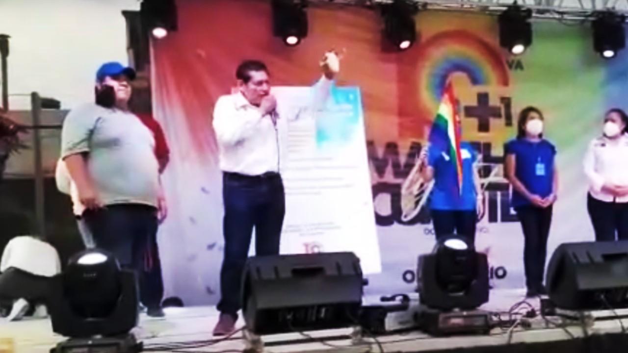 Comunidad LGBT+ abuchea a candidato del PAN en Cuautla