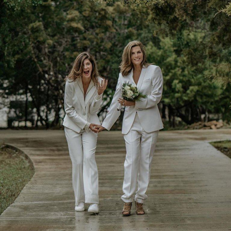 celebridades LGBT que se casaron en secreto Montserrat y Yaya