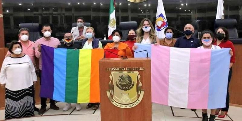 prohíben terapias de conversión en Baja California Sur