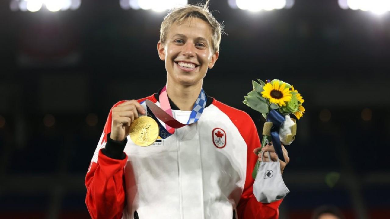 Quinn futbolista trans no binarie canadiense gana medalla de oro en Juegos Olímpicos