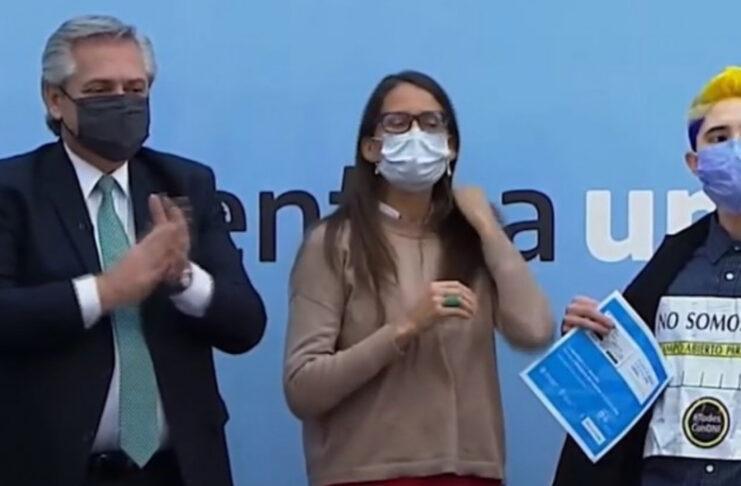 valentine machado protesta DNI Alberto Fernández Argentina