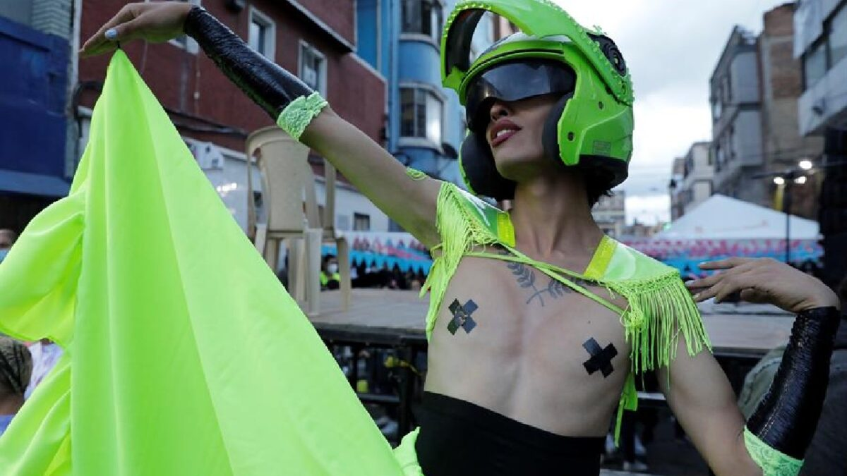 Protestan conta transfobia en Colombia con baile de mariconeo