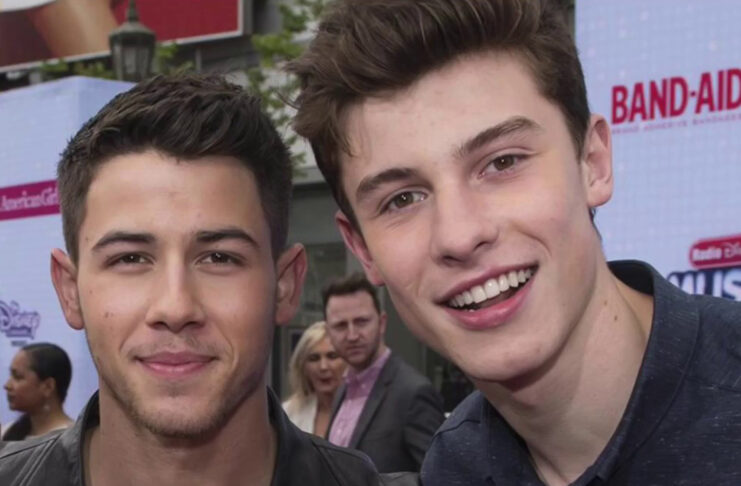 Nick Jonas imita a Shawn Mendes