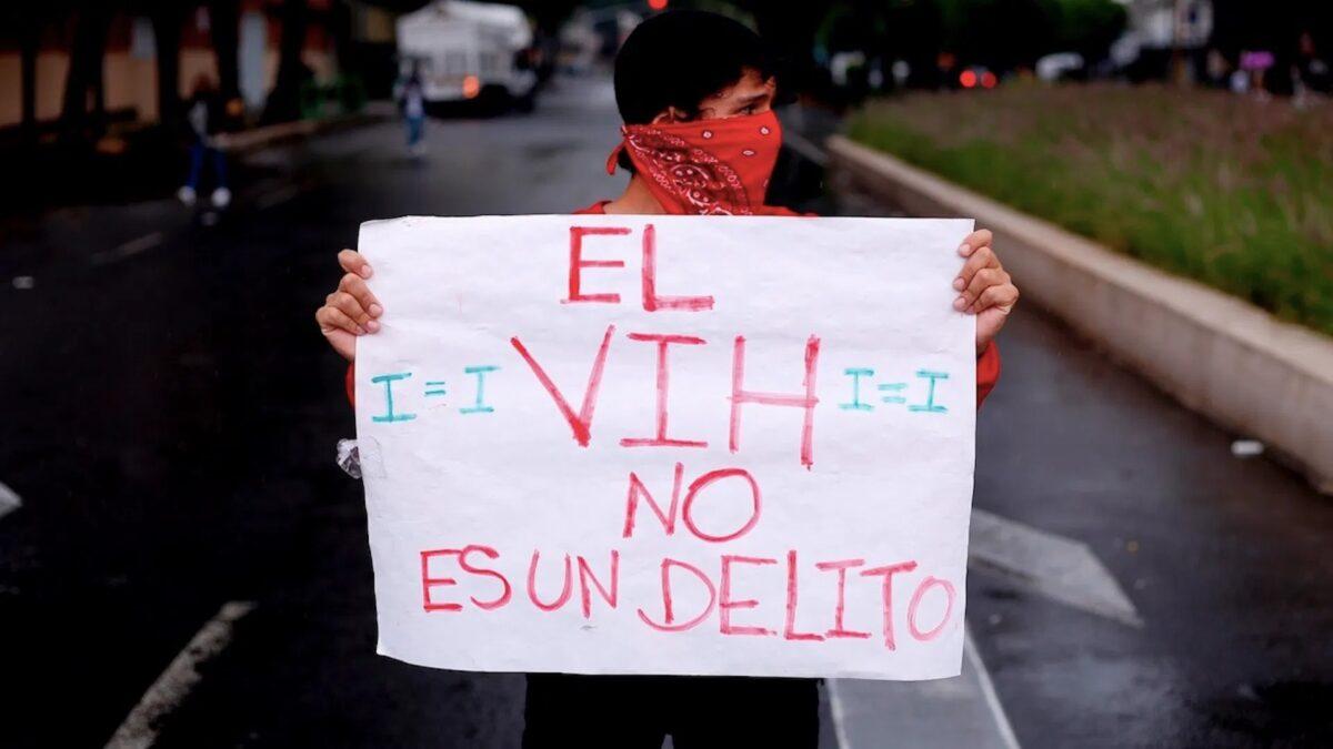 La criminalización del VIH es una de las leyes homofóbicas que existen en México