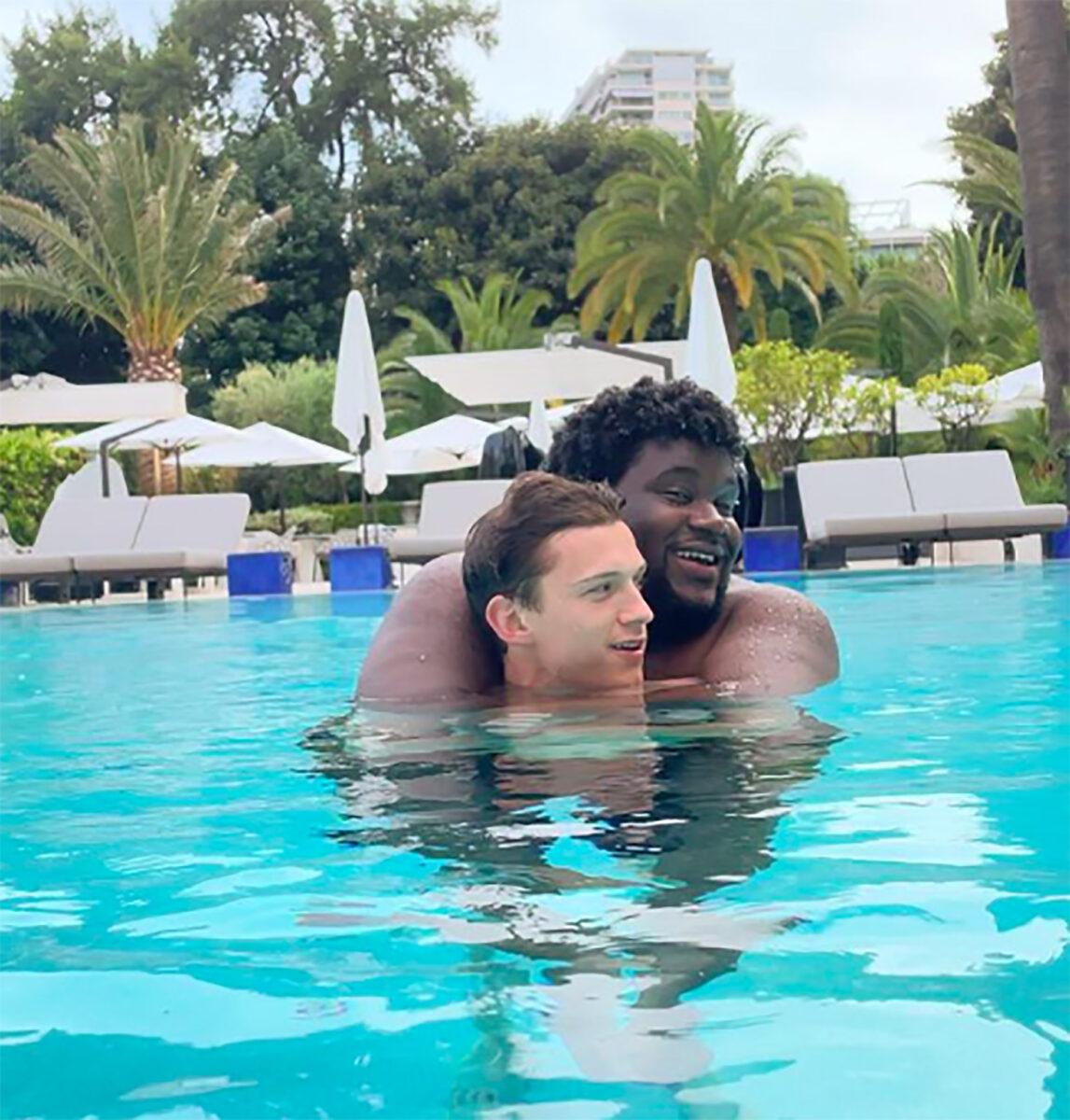 Tom Holland comentarios homofóbicos foto amigo Tuwaine
